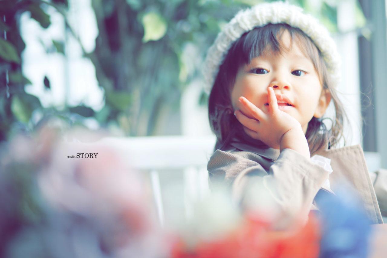 2歳の女の子の表情